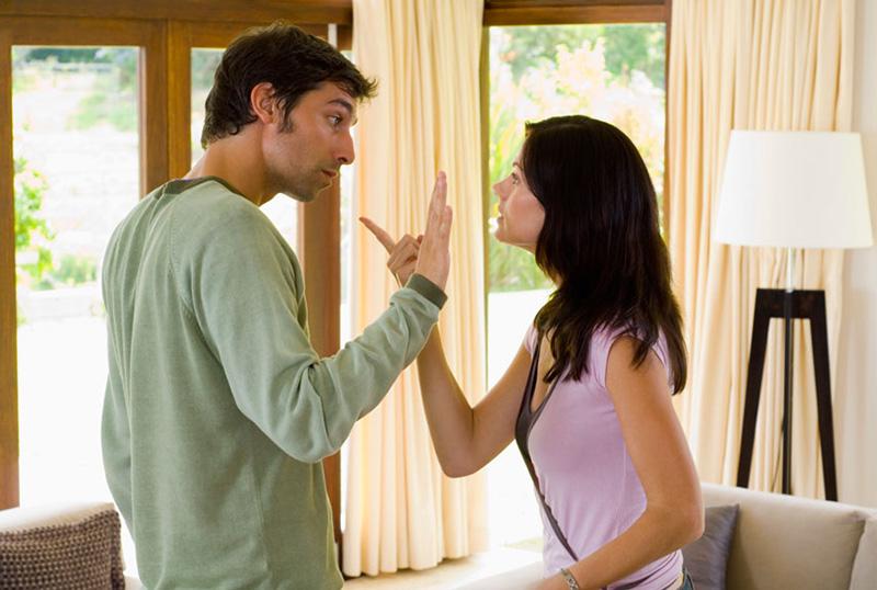 Изменяет ли муж, жена
