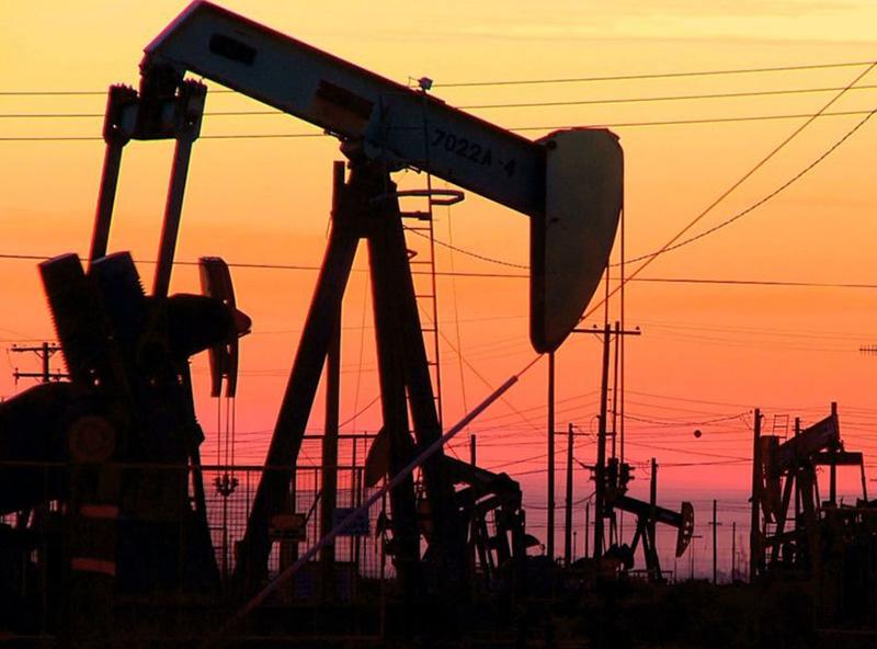 Зависит курс доллара от нефти