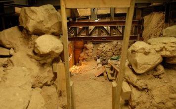 Экскаватор открыл библейскую крепость в городе Давида
